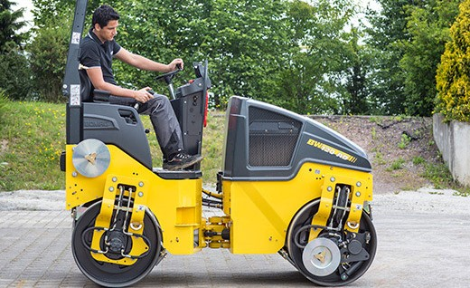 Bomag BW120AD05 light art6iculated steered tandem roller