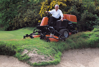 Sports and golf courses - Ransomes Jacobsen turf care machinery