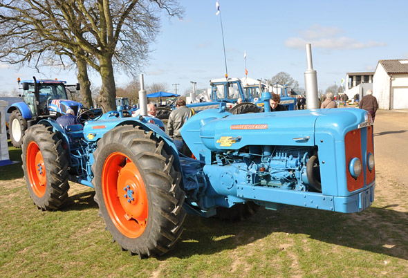 Agriculture/farming Ford Fordson Major Tractor Repair Manual Diversified Latest Designs